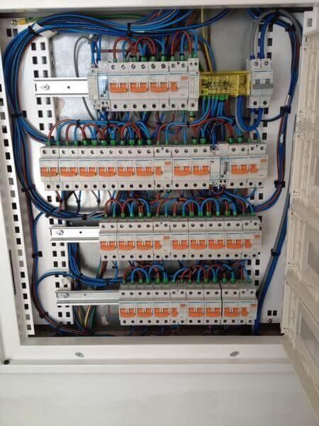 instalacion electricas locales comerciales
